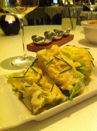 Rhodes Twenty10: salad iceberg with gorgonzola