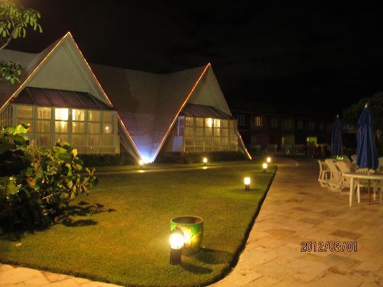 Prodigy Beach Resort Marupiara: tranquilidade à noite!