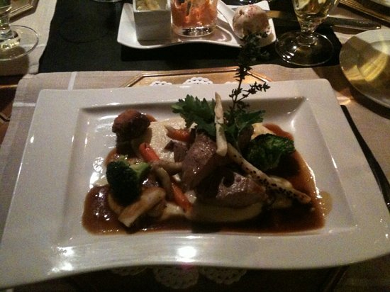 Hotel Schwarzer Adler A la Carte Restaurant: kräuterschweinfilet
