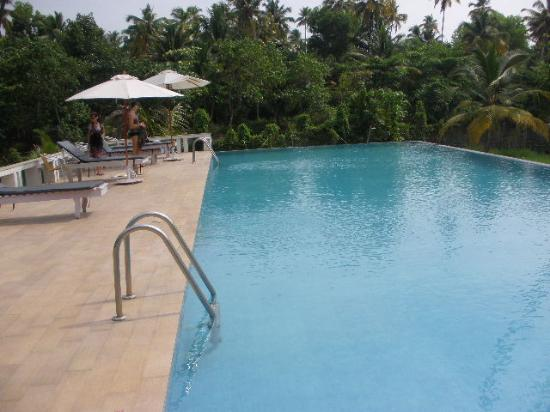 Abad Turtle Beach: la piscina