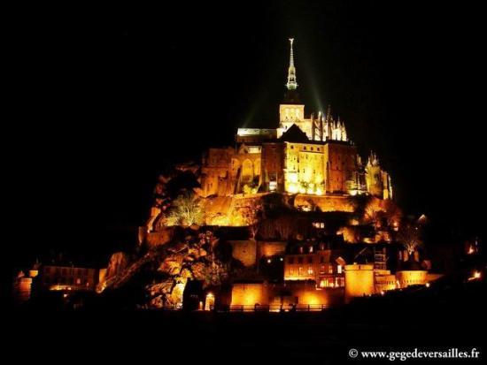 Hotel Mercure Mont Saint Michel: Le Mont Saint-Michel, la nuit