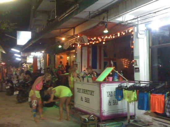 Yan Dormitory n Bar