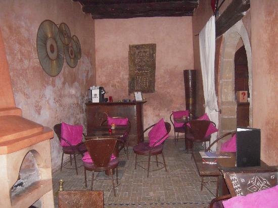 Riad asmitou hotel essaouira maroc voir les tarifs for Salon zen rabat tarifs