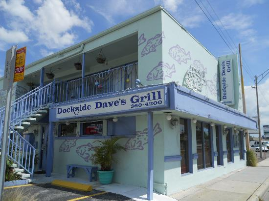 Dockside Dave's: No dock, but great food!