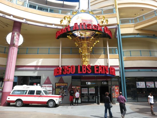 Bypass Burger 9982 Calories - Heart Attack Grill Las Vegas - YouTube