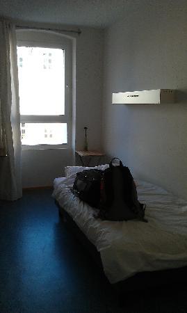 Old Town Hostel: Single bedroom at Aurora Hostel