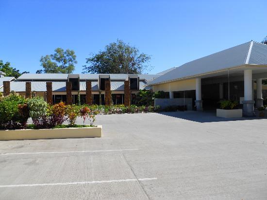 Heritage Park Hotel Honiara: The entrance