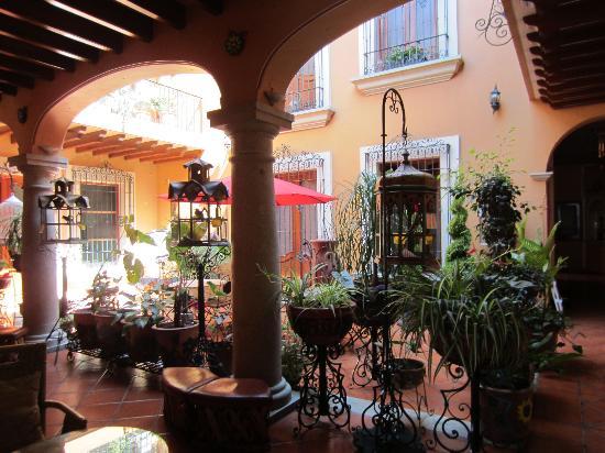 Hotel Boutique Parador San Miguel Oaxaca: El patio del hotel