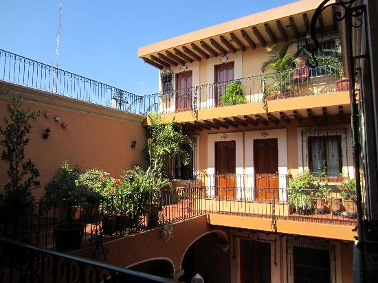 Hotel Boutique Parador San Miguel Oaxaca: las habitaciones alrededor del patio