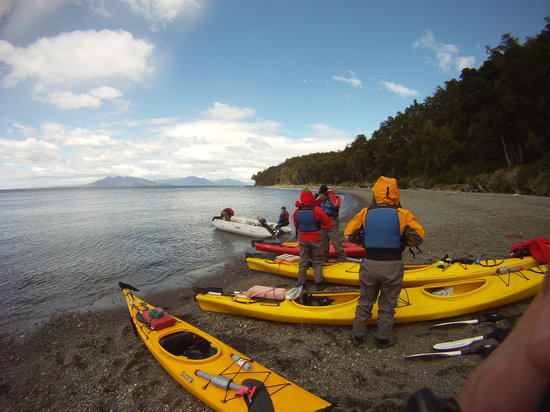 Kayak Agua Fresca: stop at the beach for a breake