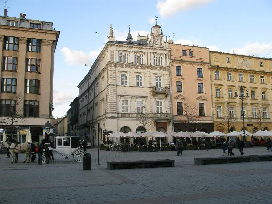 The Bonerowski Palace: The hotel from the Square