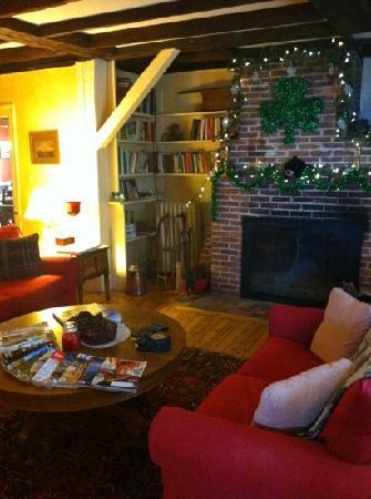 Piecasso Pizzeria & Lounge : livingroom