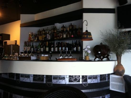 Les Sapins 60: Eingangsbereich mit Café und Bar