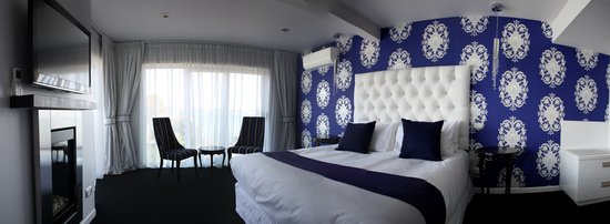 Black Swan Lakeside Boutique Hotel: Chic & Stylish Rooms
