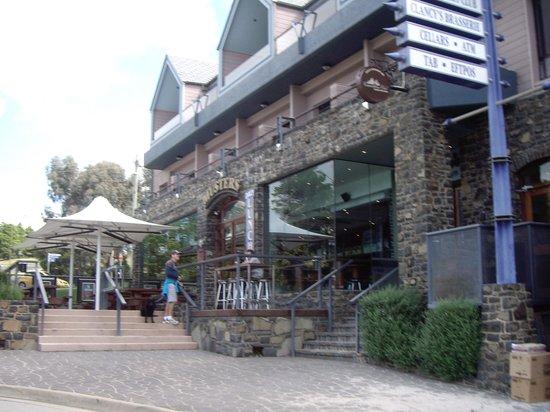 Banjo Paterson Inn