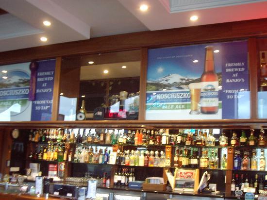 Banjo Paterson Inn: Main Bar