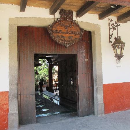 Foto De La Casa De Maty Tapalpa Hotel Entrance On The