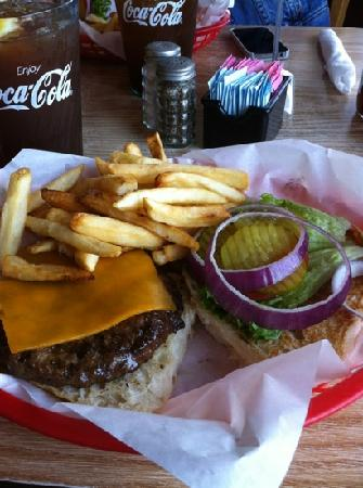 Roadhouse : great cheeseburger-