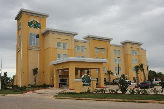La Quinta Inn & Suites Pearsall : New Hotels in Peareall