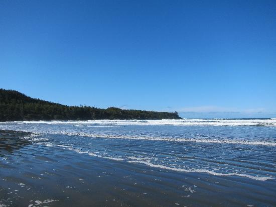 Cox Bay Beach Resort : Cox Bay on a sunny day