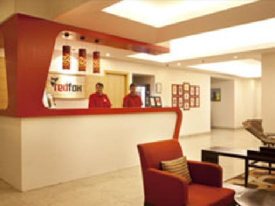Red Fox Hotel East Delhi: Front Office