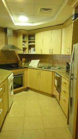 Royal Club Palm Jumeirah : kitchen