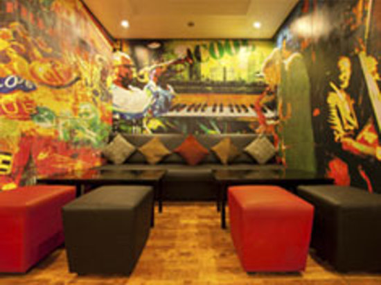 Red Fox Hotel East Delhi: Clever Fox Cafe - Lounge