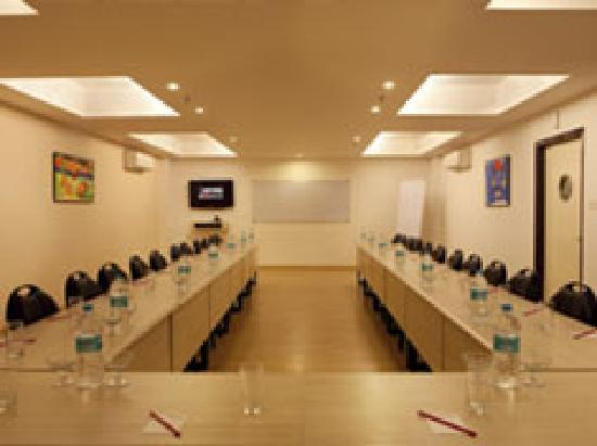 Red Fox Hotel East Delhi: Conference Room