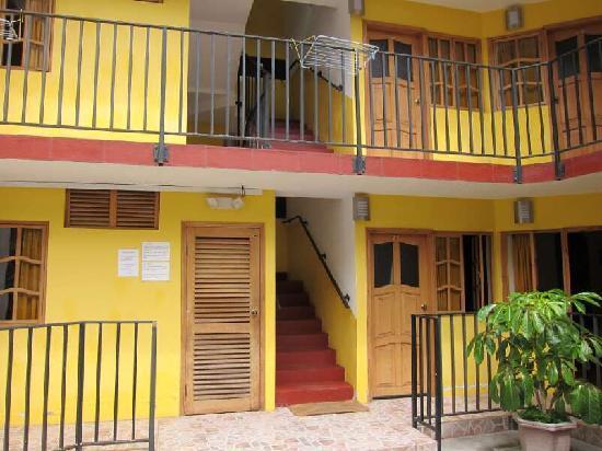 Hostal Timara: Inside the hostel / adentro el hostal