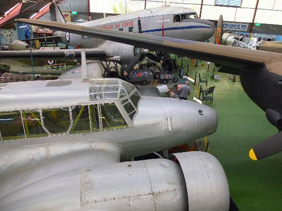 Aviation Heritage Museum : Aircrafts inside the exhibition hangar