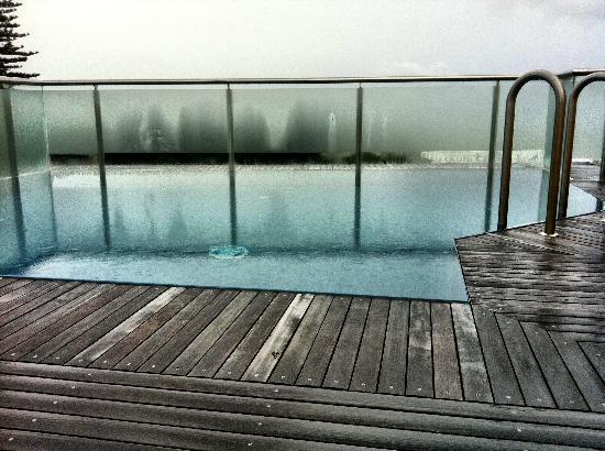 Beach Suites : Rooftop infinity pool