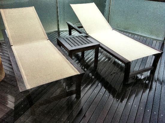 Beach Suites : Main patio