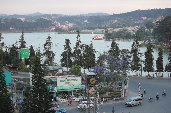 Ngoc Lan Hotel: a great lake view from my room