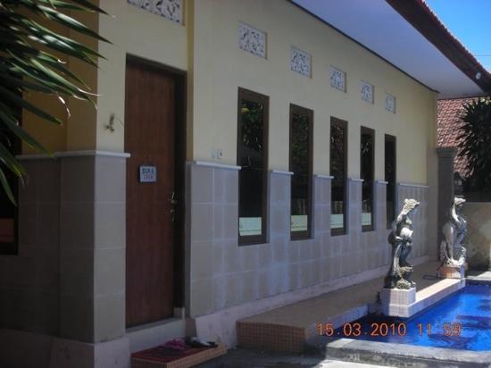 Suriwathi Beach Hotel: the massage/spa
