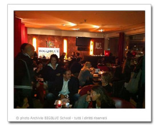 Big Blue School : aperitivo con gli amici