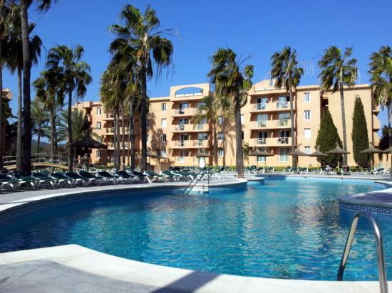 Protur Bonaire Aparthotel: pool area