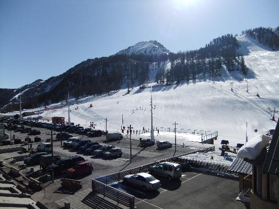 Hotel Alpis Cottia : View from Room 9 showing distance to slopes