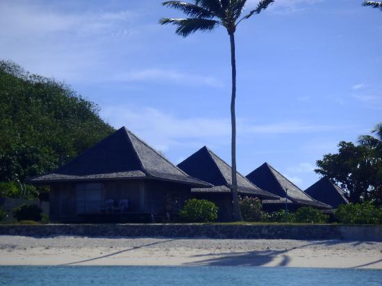 Hotel Matira : The bungalows from the water