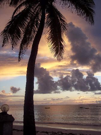 Pakachi Beach Hotel: beach view