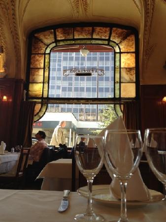 Int rieur art nouveau motif foug re photo de l 39 excelsior for Art nouveau interieur