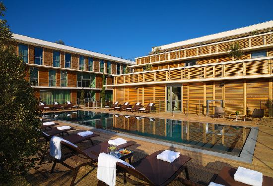 Courtyard by Marriott Montpellier: Swimming Pool