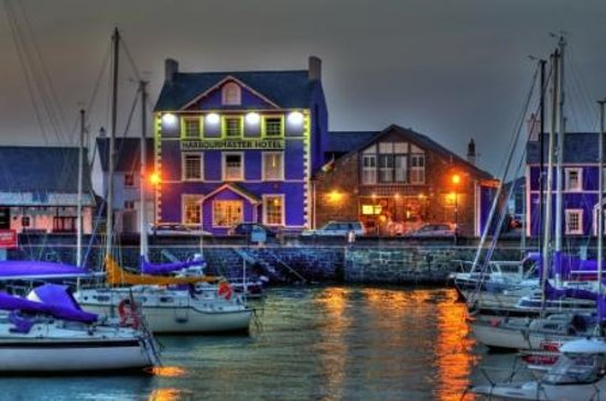 Aberaeron, UK: Harbourmaster Sunset