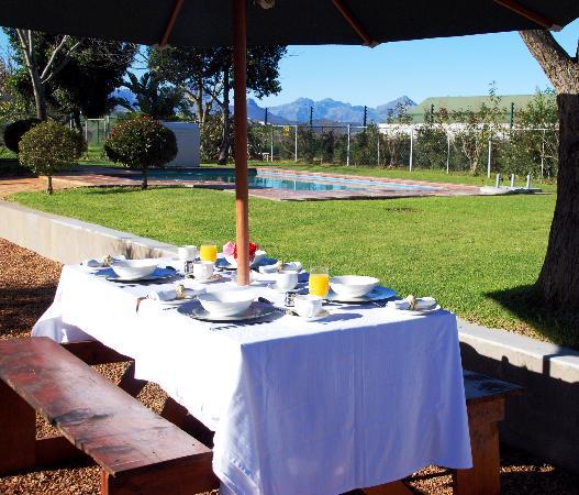 Hoopenburg Guest House: Breakfast delight