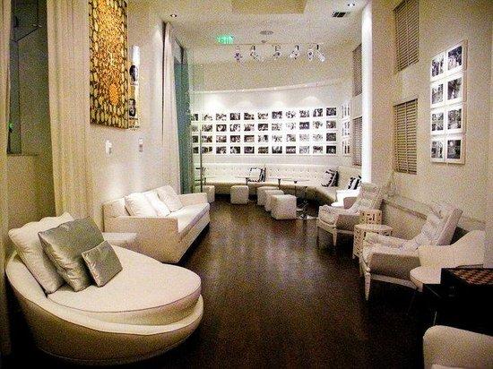 Sagamore: The lobby!