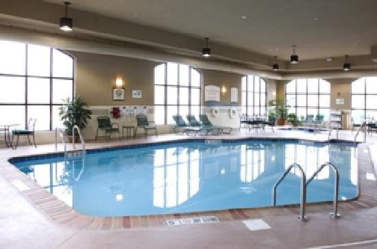 Staybridge Suites Milwaukee Airport South: Indoor Pool and Hot Tub
