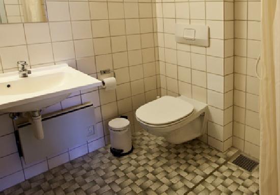 Danhostel Frederikshavn City: All Rooms have own Bathroom