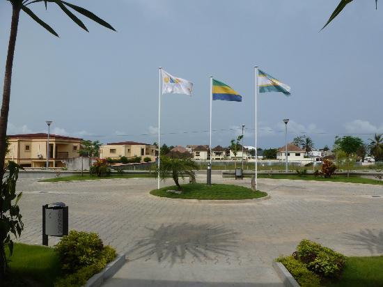 Onomo Hotel Libreville: Entrada al Hotel onomo
