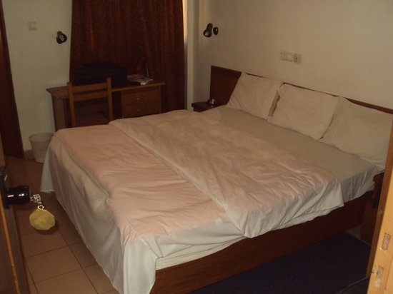 Pacific Hôtel : Chambre