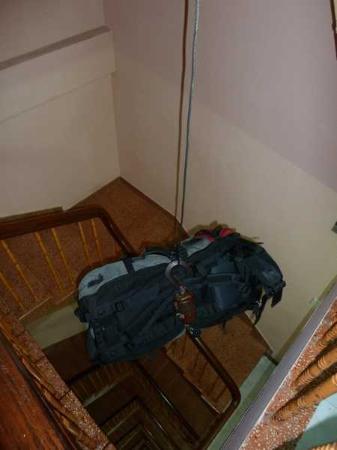 Madam Cuc 64: Für Gepäcktransport nach oben ist gesorgt