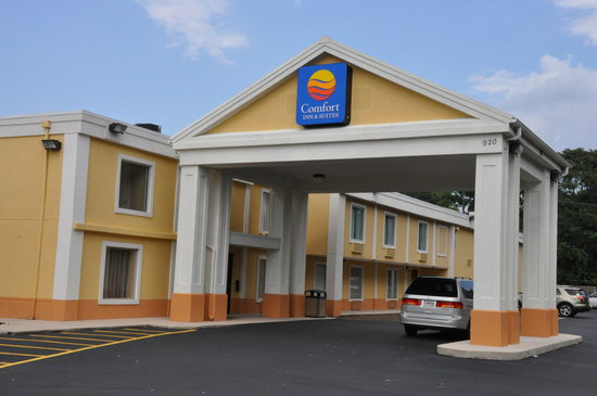 Quality Inn & Suites Hagerstown: Canopy/Entrance